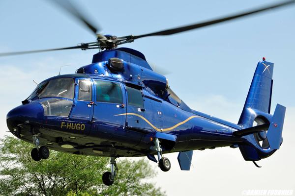 Hélicoptère Écureuil AS355